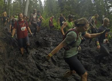 Jen & Glenn enjoy more mud!